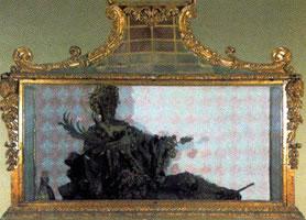 La Credenza Della Nonna Santa Maria Maggiore : San cesario nella cripta allinterno della chiesa di s. maria